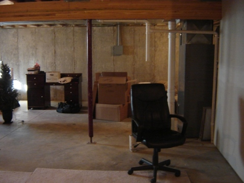 unfinished_basement4.JPG